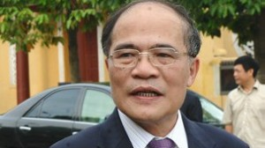 Ông Nguyễn Sinh Hùng phản đối việc bỏ hộ khẩu của người ra nước ngoài và vào tù