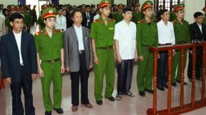 Các quan chức Tiên Lãng nhận mức án nhẹ hơn nhiều so với gia đình Đoàn Văn Vươn